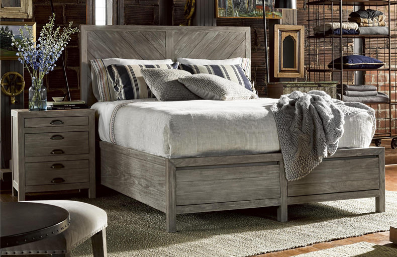 Universal CURATED BISCAYNE BED (KING) 558260B